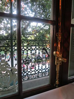 Love the wrought-iron balcony